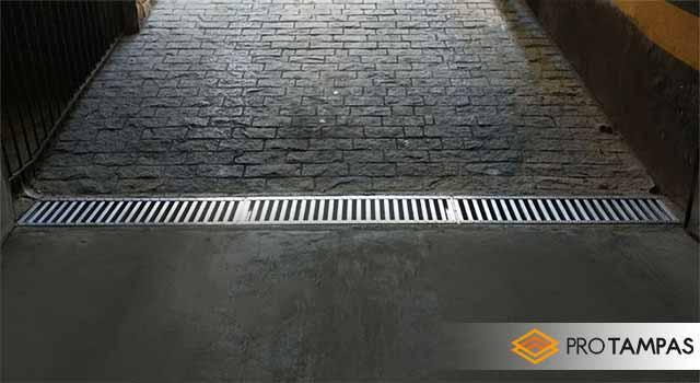 Grelha metálica para piso
